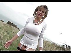 порно зрілої з молодим